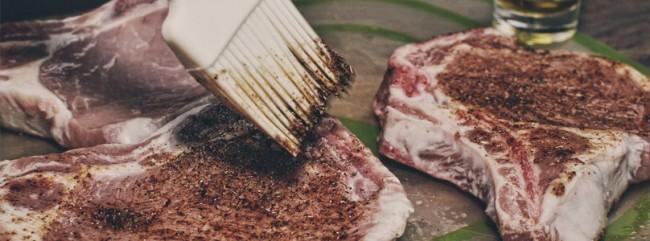 Koteletts mit Sofrito-BBQ-Sauce